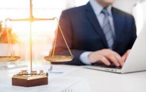 Advokato Paslaugos